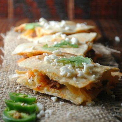 Quesadillas de Chorizo y Papa con Salsa Ranchera