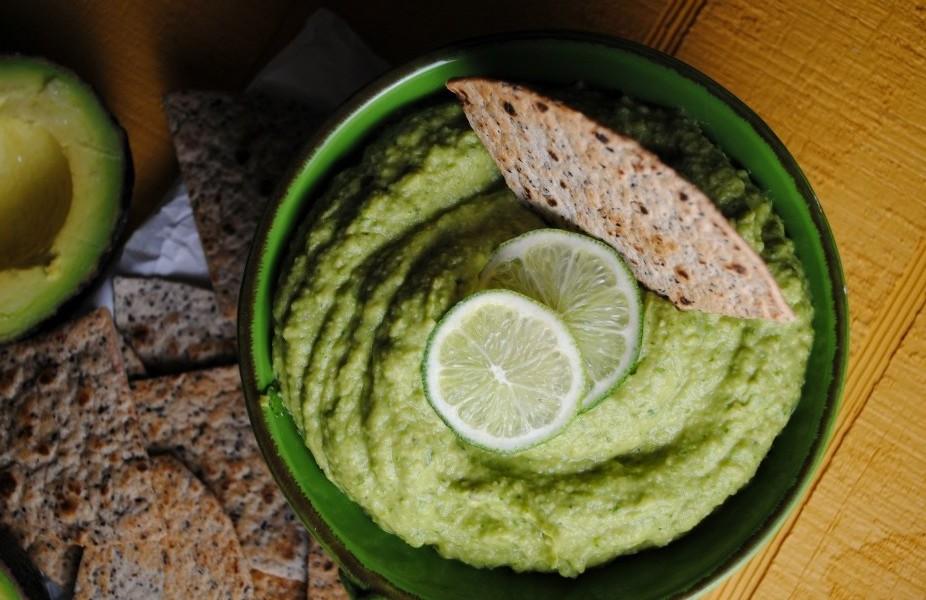 avocado-hummus-VianneyRodriguez-sweetlifebake