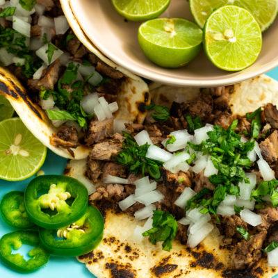 Tacos de Carne Asada Adobados con Cítricos